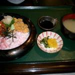7525 - 三宝盛りの(カニ、ウニ、いくら)