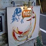 ニコ - 店舗への路地入口の看板
