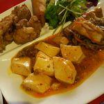 70001207 - 麻婆豆腐、春巻き、から揚げ、春雨炒め、サラダ
