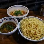 麺鮮醤油房 周月 - つけそば(特盛)&油そば(並盛)