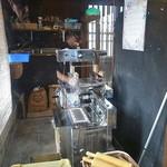 麺鮮醤油房 周月 - 定番の大和製作所リッチメン製麺機