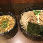 麺や よかにせ - 料理写真:麺はスダレが中にあるけど 結構多いですねぇ(^_^) 1.5が適量かなぁ