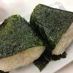 おかもと鮮魚店  - おにぎり シャケ