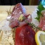 鎌倉おでん波平 - 刺身盛り合わせ定食:めじまぐろ、かつお、ぼら