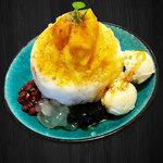 カフェ マラッカ - カフェマラッカの東南アジアかき氷(アイスカチャン)のマンゴー味。定番の味です。