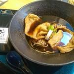 70008938 - 老舗豆腐屋の大判きつね揚げ蕎麦(冷)