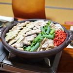 湖国料理 やまじん - 鰻鍋
