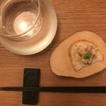 ニクスペシャリテ・マクラ - 淡路島玉ねぎとローストビーフ和えとパン