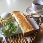 ヘッド・ハンター - ブレンドコーヒー350円とトーストのモーニング