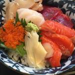 神田 優和ぎ - 海鮮丼のアップ