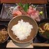 和ダイニング二階 - 料理写真:刺し身5種盛り合わせ定食