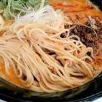 四川担々麺 いぶし銀 - 麺