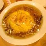 551蓬莱 「飲茶CAFE」伊丹空港店(南ターミナル) - 天津飯910円