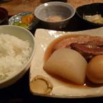 隠れた家の和食  季節の音 心 - 豚の角煮定食