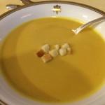 日光金谷ホテル - コーンクリームスープ