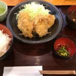 とんかつ武蔵野 - ランチ「ひれかつ」定食。 なかなかなボリューム、美味です。