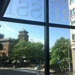 カフェドゥラプレス - 旧県庁と銀杏並木