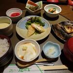 遊ZEN たつ吉 - お昼御膳 たしか、950円くらい。