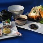 味里 - 夜の海老フライは、特に大きくサイズアップ!