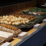 70031986 - 和菓子販売店に、店内で和菓子や甘味、ランチなどの食事ができるレストランを併設してます。