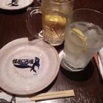 怪獣酒場 - レモンサワー&角ハイボール