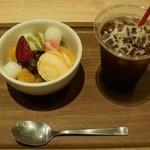 ワ スイーツ アンド カフェ かんみこより - クリームあんみつ&アイスコーヒー
