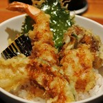 ISOGAMI FRY BAR - タレをかけた天丼