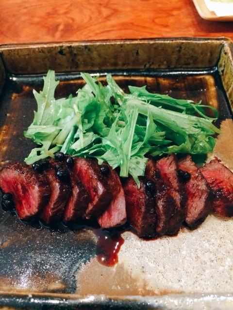 丹 - 山椒の効いたソースのステーキ。これは美味しかったです