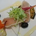 ルラーシュ - 活かんぱちサシの軽いあぶりサラダ仕立                             春の旬菜 ジャルディネ風                             嵯峨豆腐と山葵のソース♪
