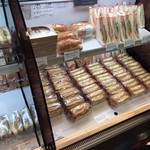 MMCオーガニックカフェ - サンドイッチ色々売ってる〜