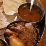 ナタラジャ - ディナーセット:マトンカレーとラッサムスープ