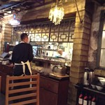 FEI・Little TaiKouRou - 中央奥には厨房が