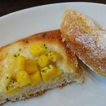 鎌倉パスタ - 食べ放題パン  コーンパンとフレンチトースト