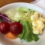 リッチモンドホテル福岡天神 - サラダ