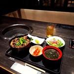 70064952 - 土古里   名物  和牛すじ煮込み丼¥1188  4人席私1人                       (๑• - •`๑)さみしい!