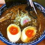旭屋 - ラーメン 味玉 濃色スープ