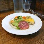 トラットリア ダ ゴイーノ - 前菜盛り合わせ。方向の違う味が全体としてよくまとまっていて安心感がある。