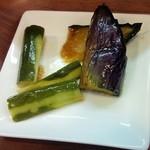 中国料理 天蘭 - ランチ付け合わせ。揚げ茄子、みそキュウリ