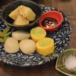 縁の鈴なり - 大将おまかせの夏野菜盛り(ズッキーニ、ジャガバター、ニンニク)