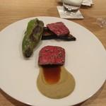 70081702 - まほろば赤牛のステーキ