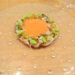 ラ・トラース - 水だこと鱒の卵のガスパチョ