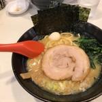 ゴル麺。 - 2017年7月 豚骨醤油(780円)