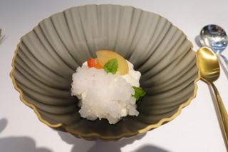 マキノ - 一つ目のデザートは、車多酒造(天狗舞)の酒粕を使ったブランマンジェと生姜のグラニテ