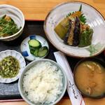 キッチン食堂 城山 - 相方の「煮物の炊き合わせ定食」も凄いっ!!