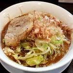 野菜が美味しい鶏豚ラーメン まる重 - みそラーメン並野菜基本ニンニク少なめ(780円税別)