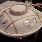 70090753 - 1707_Washoku Sato-和食さと- Central Park_ちゃんこ鍋@69,800Rp 当地で良く見かける土鍋