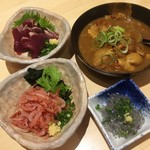 静岡おいしんぼ処 しずおかばっかぁ - 170523生桜海老、生しらす、カツオタタキ、カレー煮込み