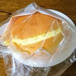 70092207 - 幻のクリームパン