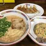 長浜ラーメン 博多屋 - こってり 満腹セットB