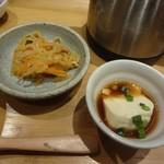 こめらく ニッポンのお茶漬け日和。 - 小鉢は切り干し大根と豆腐